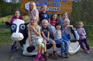 Lilo, Leonard and Linus with their friends from school